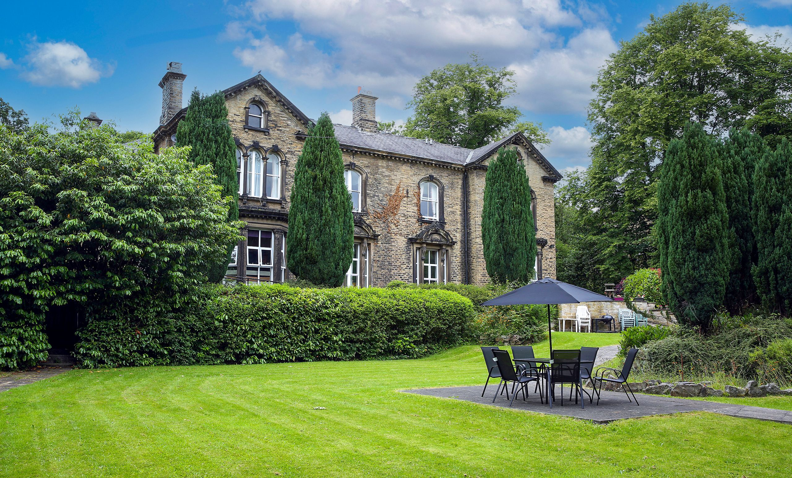 Alwoodleigh Care Home in Huddersfield