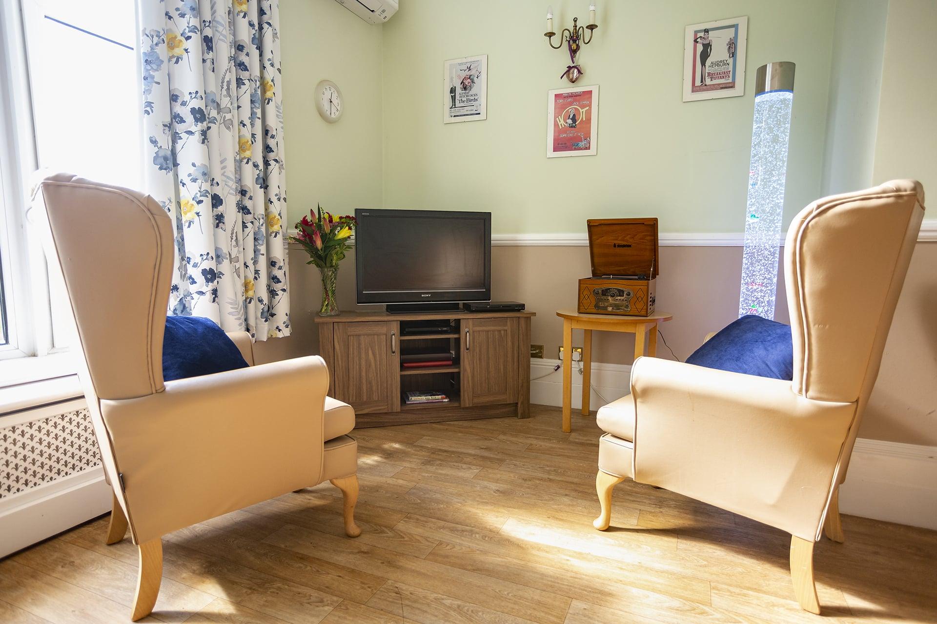 Stambridge Meadows Care Home quiet lounge